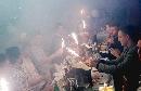 Bottiglie tavolo Foto - Capodanno Belle Epoque in centro a Brescia